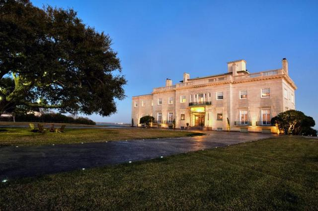 White House replica, former Texas governor's mansion going to auction