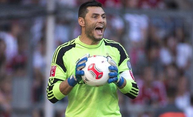 Ex-AC Milan keeper Amelia: Donnarumma suffering from overconfidence