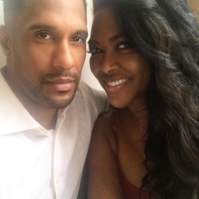 Kenya Moore Breaks Down Over 'Pressure' of Marriage in Public Eye: 'I Don't Wanna Get Divorced'