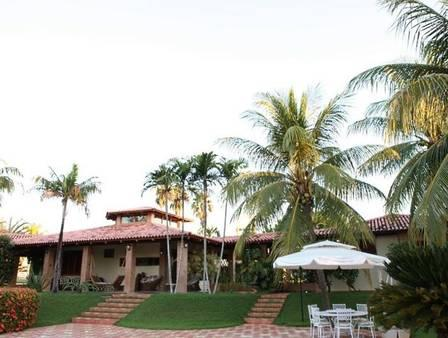 Zezé Di Camargo põe fazenda à venda por R$ 25 milhões para concluir partilha com Zilu