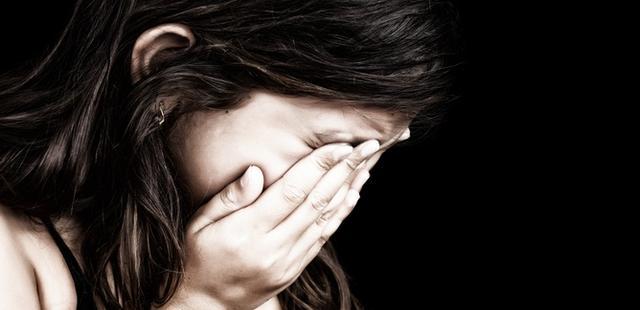 Mãe pergunta quem tirou a virgindade da filha e se surpreende com a resposta