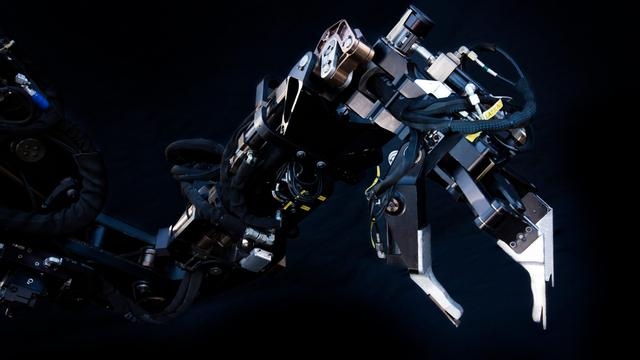 The Guardian GT is a Gigantic Treaded Robot With Seven-Foot