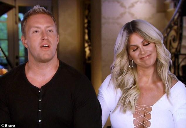f7077d8ff28ee Kim Zolciak is latest celebrity to insist a completely strapless bra  works