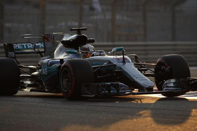Hamilton faster than Vettel in 2nd Abu Dhabi GP practice