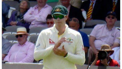 Smith leads from the front as Aussies fight back