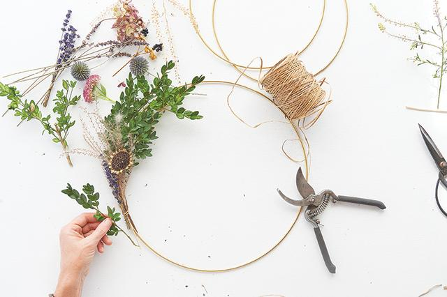 How To Make A Gorgeous Floral Wreath That You Can Hang All Year Round