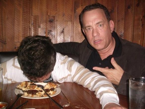 Tom Hanks Helps Random Guy Take Coolest Drunk Pictures Ever