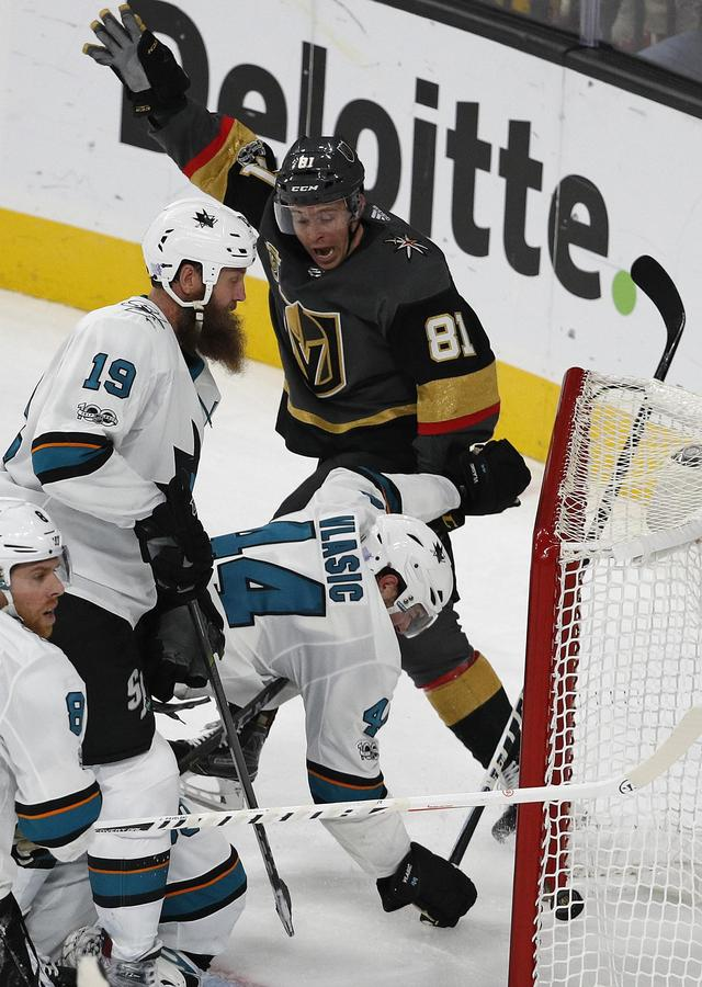 Marchessault's goal in OT lifts Golden Knights over Sharks