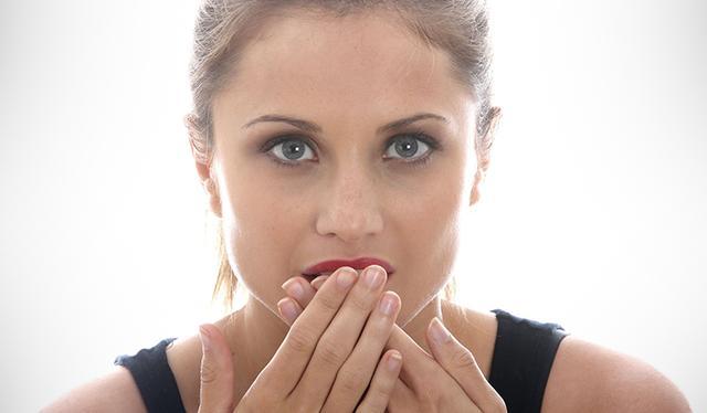 Excessive Burping: Causes And Remedies_国际_蛋蛋赞