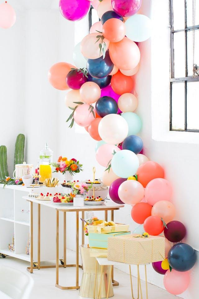 f7e8e700d43f Balloon Garland 15 Unique Ways To Jazz Up The Next Bridal Shower You re  Hosting