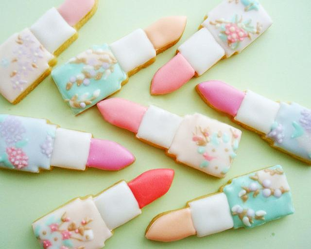 61b6deed556b Fun Sugar Cookies 15 Unique Ways To Jazz Up The Next Bridal Shower You re  Hosting
