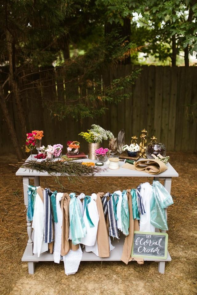 f37110c91046 Flower Crown Station 15 Unique Ways To Jazz Up The Next Bridal Shower  You re Hosting