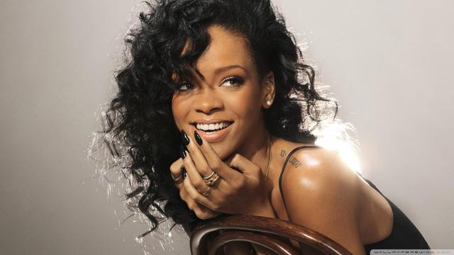 18 Interesting Facts About Rihanna!