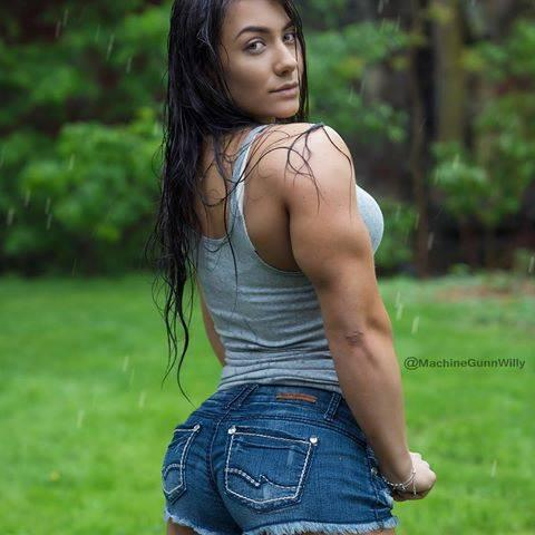 She is the World's Most Beautiful Gym Trainer, check out her hot photos