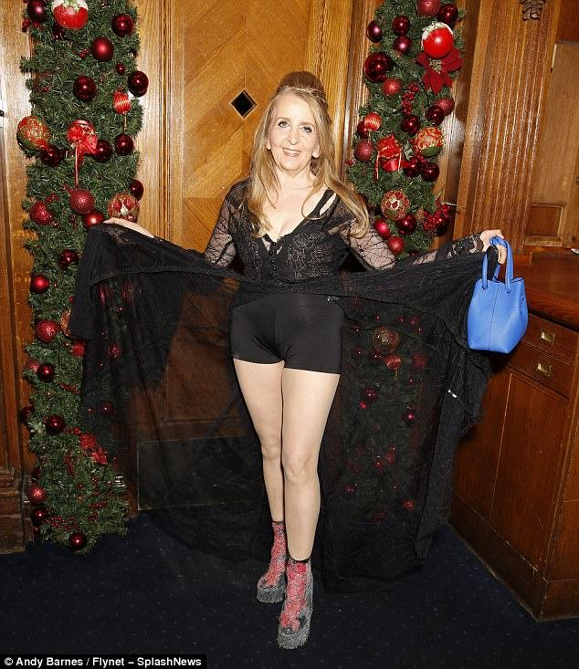 Gillian McKeith (58) puts on jaw-dropping display as she flashes her curves in TINY shorts and deeply plunging top!