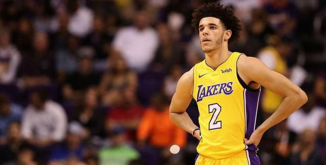 Lonzo Ball Gives Terrible Excuse for Walking Away From Fight Against Suns