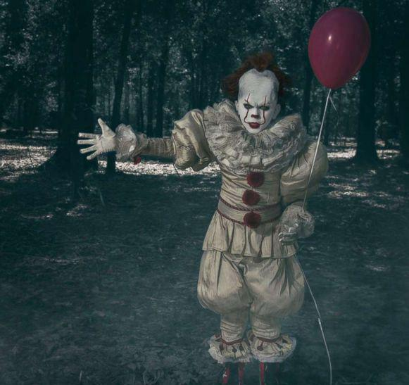 10-year-old poses as Pennywise in incredibly creepy photos for Halloween