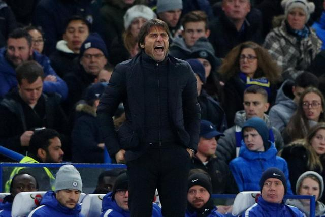 Antonio Conte urges Chelsea fans to respect Rafa Benitez on his Stamford Bridge return