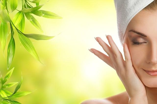 TOP 10 Things To Know About The Oil Cleansing Method for Acne Prone Skin