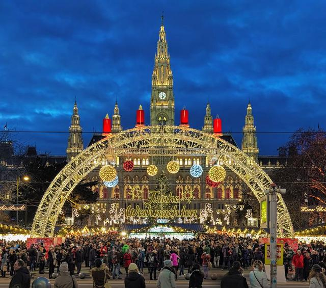 7 best christmas cities in europe