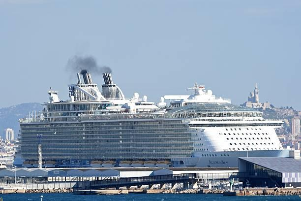 Floating Cities: The 15 Biggest Cruise Ships In The World_国际_蛋蛋赞