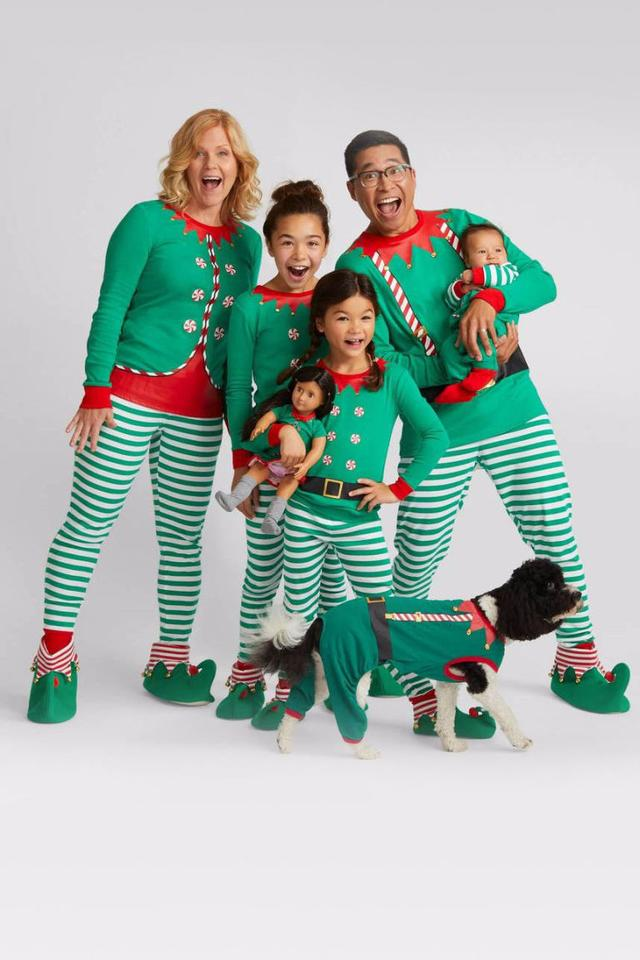 10 matching family christmas pajamas to celebrate in the coziest way possible