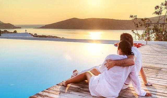 Five Tips to Planing a Budget-Friendly Honeymoon