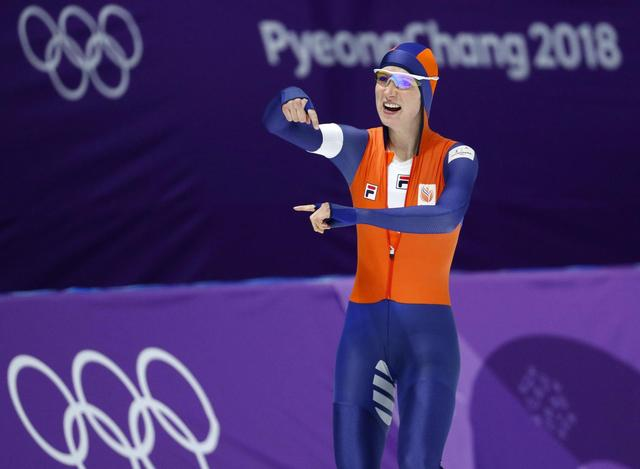 The Latest: Dutch sweep medals in 3,000-meter speedskating