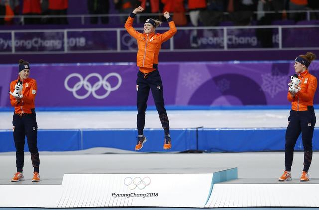 1 race, and the Olympic speedskating oval is all orange