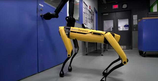Boston Dynamics' newest robot learns to open doors