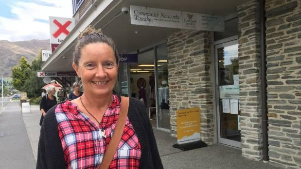 Fiona Fairbairn plans solo Lake Wanaka swim in memory of husband