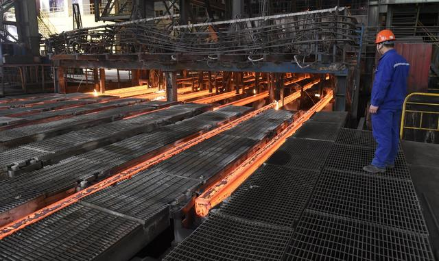 China shrinking steel industry, but too slowly for West