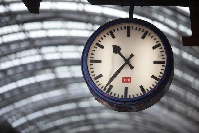 After a Century of Daylight Saving Time, Its Benefits Are Still Unclear