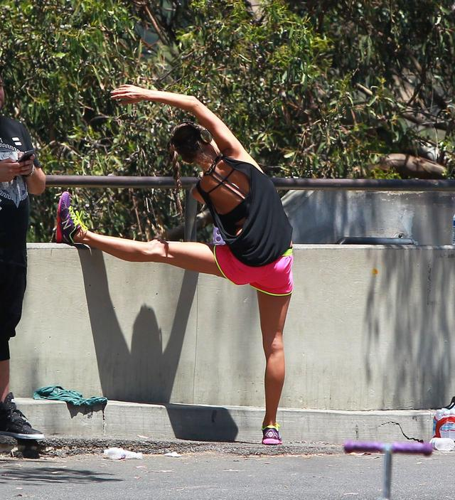 Alessandra Ambrosio Out For a Workout