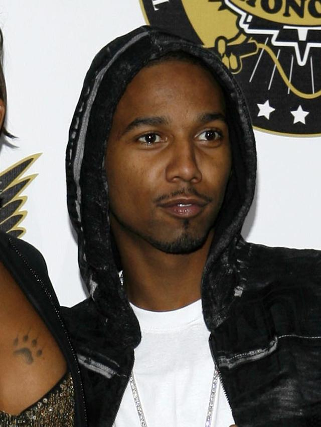 Rapper Juelz Santana to remain in custody on weapons charges