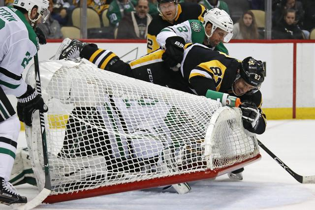 Malkin, Oleksiak's goals help Penguins defeat Stars