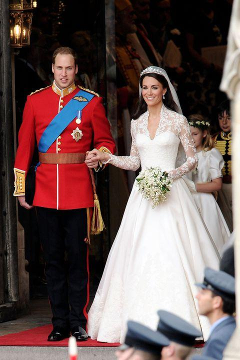 How Much Does Meghan Markle's Wedding Dress Cost?_国际_蛋蛋赞