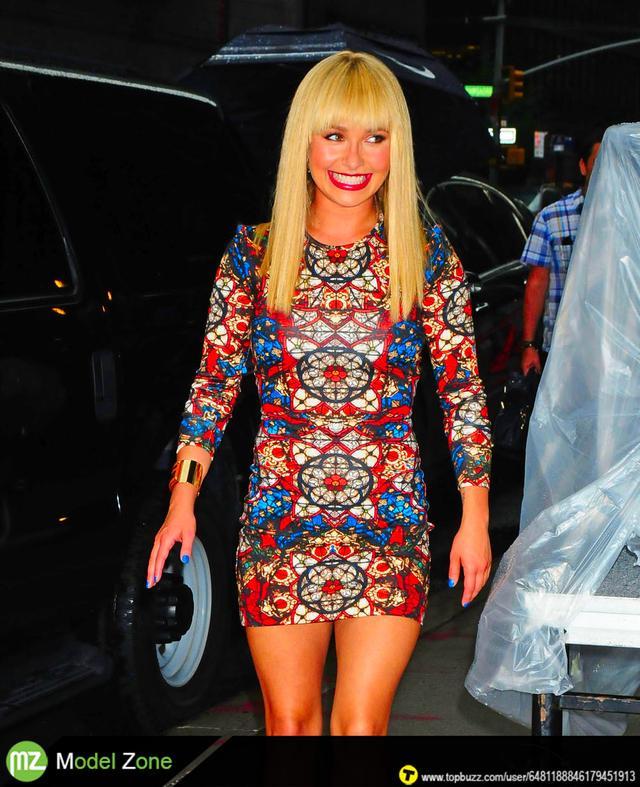 Hayden Panettiere tight dress