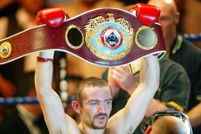 Former boxing champ Scott Harrison 'buzzing' as he wins bid to get back in the ring