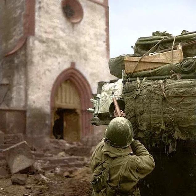 15 Rare Photos From World War II That You've Never Seen Before