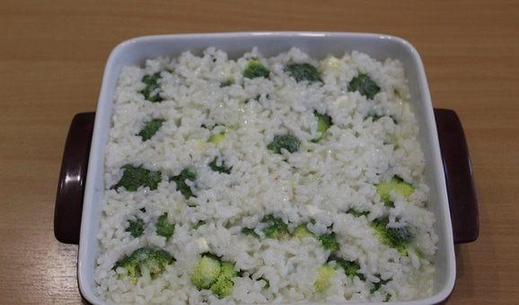 Delicious Casserole WIth Broccoli and Rice