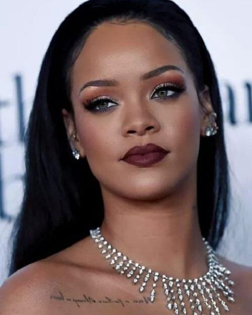 Man Tells Cops He Was at Rihanna's Home to Sleep with Her!