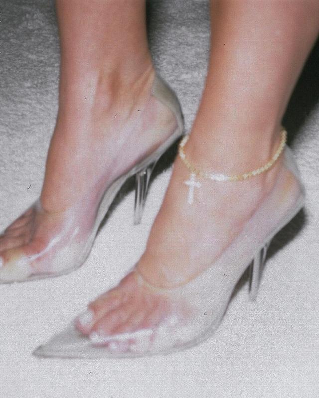 bc45176de19 Celeb Doc Says Kardashians  Clear Shoe Trend Causes Ugly