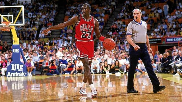 sale retailer e062c 10f67 Netflix And ESPN Films Announce Multi-Part Documentary THE LAST DANCE  Featuring Michael Jordan