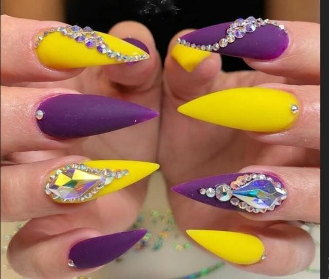 The World Champion in Beauty of Yellow Nail Designs 2018 Between White and  Black Women ... - The World Champion In Beauty Of Yellow Nail Designs 2018 Between