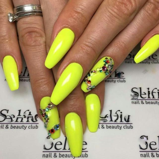 The World Champion In Beauty Of Yellow Nail Designs 2018 Between