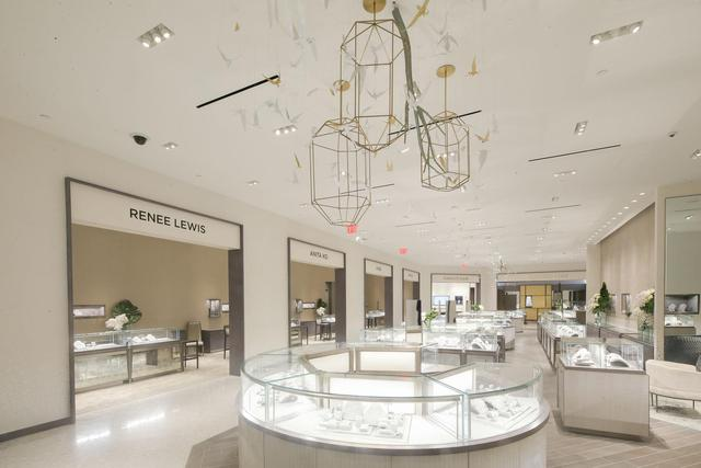 a62076fd49f Saks Fifth Avenue Unveils Renovated Jewelry Department 国际 蛋蛋赞