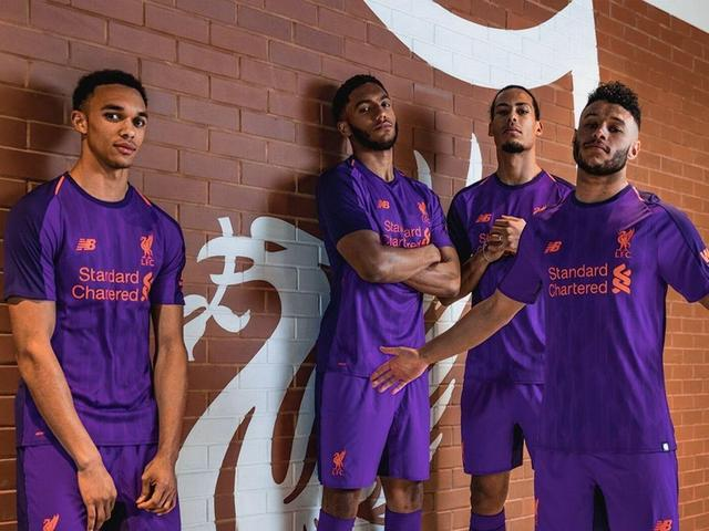 super popular f4c49 8953c Manchester United launch new pink away kit for 2018/19 ...