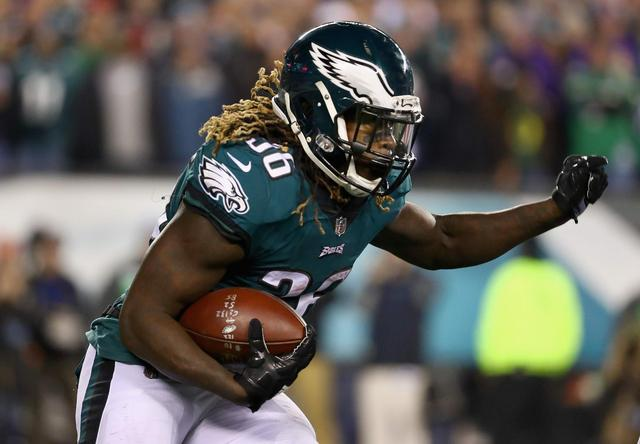 Eagles RB Jay Ajayi Leaves With Injury in Week 2: Fantasy Football Impact