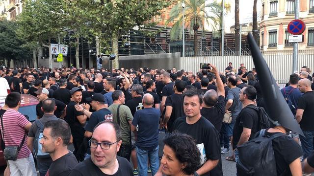 Movilización de Mossos d'Esquadra de negro para protestar por las condiciones laborales e impagos pendientes 005b9f4e83674092f8de